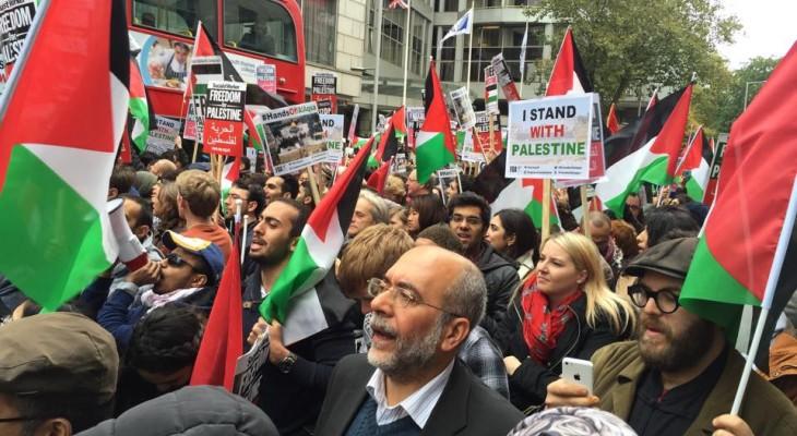 الآلاف يتظاهرون بلندن رفضاً لجرائم الاحتلال