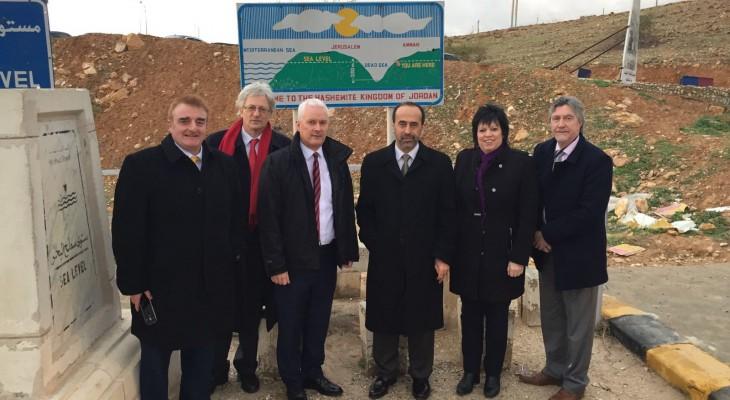 في اليوم الثالث لزيارته للأردن: الوفد البرلماني البريطاني يلتقي وزير الخارجية ورئيس مجلس الأعيان ويزور جسر الملك حسين على الحدود مع فلسطين المحتلة