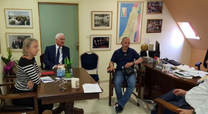 وفد برلماني غربي يزور القدس ويطلع على معاناة أهلها بسبب الاحتلال