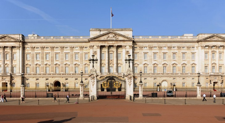 قصر ملكة بريطانيا للبيع...بقلم:هاني مصبح
