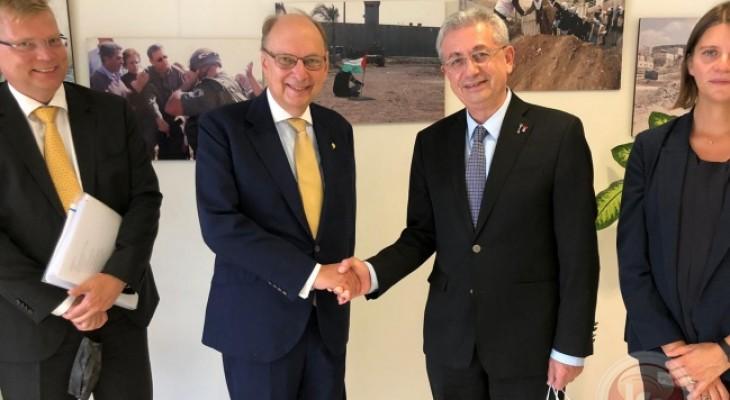 البرغوثي يلتقي وزير الدولة ونائب وزير الخارجية السويدي