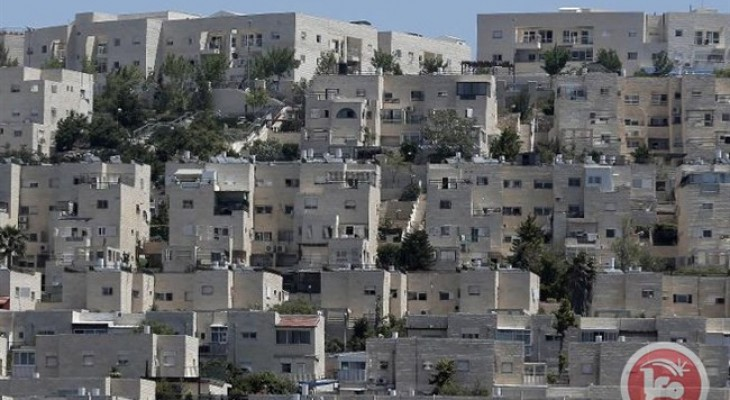 Approval of East Jerusalem settlement construction an 'insult' to peace talks