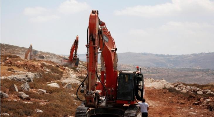 Israel freezes Palestinian housing plan after settler objections